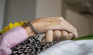 Пребилият майка си до смърт не вярва, че е издъхнала