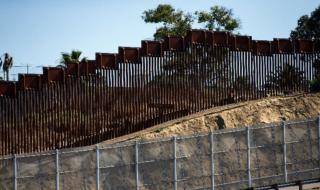 Върховният съд на САЩ удължи строителството на граничната стена с Мексико