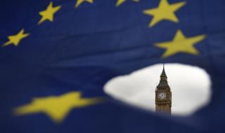 Великобритания няма да въведе пълни гранични проверки