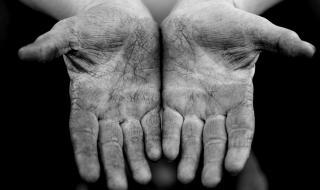 90% от заразяванията с COVID-19 става от мръсни ръце