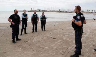 Франция затваря плажове