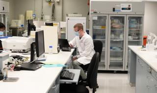 Ваксината срещу коронавирус трябва да е задължителна, обяви премиер