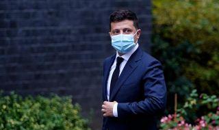 Украинският президент бе приет в болница