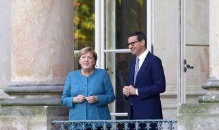 Полша посрещна хладно Меркел