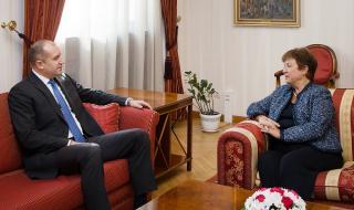 Румен Радев разговаря с Кристалина Георгиева