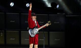 Новият албум на AC/DC оглави класацията на Billboard