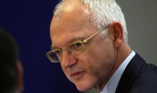 Васил Велев недоумява как безработните се увеличават, а администрацията расте
