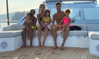 Роналдо подари на семейството си невероятна яхта след триумфа в Серия А