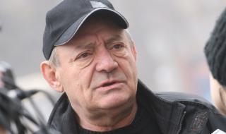 Как актьорът Антон Радичев се справя в кризисната ситуация