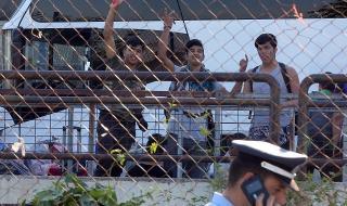 Турция: Гърция да уважава мигрантите, вместо да ни обвинява