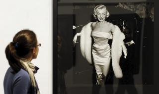 Шал на Мерилин Монро спаси парижки театър от фалит
