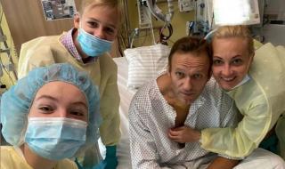 Снимаха Навални за първи път след излизането му от кома