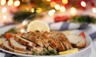 Рецепта за вечеря: Печени пуешки гърди с ароматни подправки