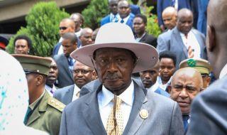 Избори в Уганда: Президент ветеран срещу депутат певец