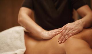 Секс скандал с полякиня и масажист в Обзор