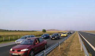Над 20 километра задръстване между Чирпан и Стара Загора