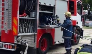 Пожарникари спасиха мъж от пожар в къща във Вършец