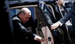 Калашници за верни на Ердоган: нови разкрития на мафиотския бос Пекер - 1