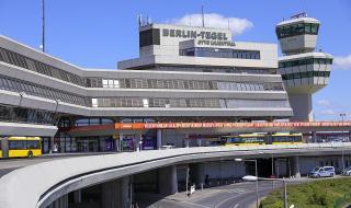 """Берлинското летище """"Тегел"""" затваря за 2 месеца, перспективите са неясни"""