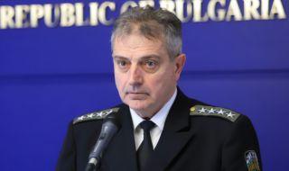 Началникът на отбраната: Сред останките на