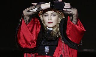 Дъщерята на Мадона разпали див дебат за косматите подмишници (СНИМКА)
