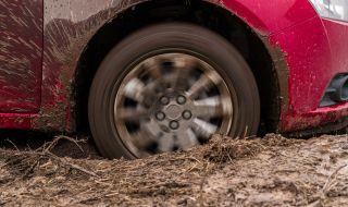 Руски експерти разказват как да измъкнем колата от кал и пясък - 1
