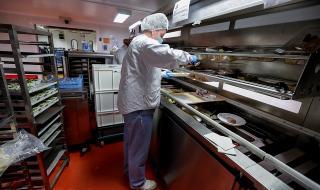 Службите са притеснени от натиска COVID-19 да бъде свързан с китайска лаборатория