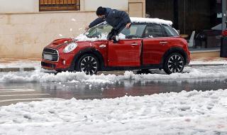Лошото време в Испания взе жертви (ВИДЕО)