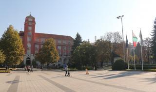 Разследват четирима, нарушили карантината си в Плевен