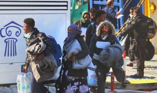 Първи заразен мигрант в Гърция