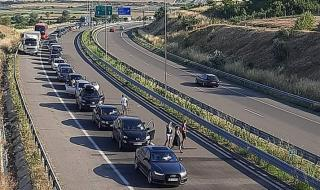 Километрични опашки от коли на границата с Гърция