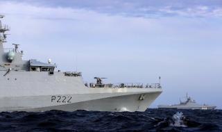 Британски кораби следят руска бойна група