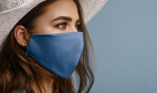 Носенето на маски на открито става задължително