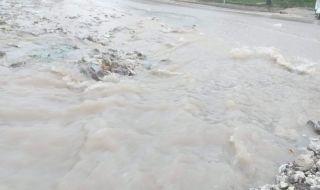 Канализация по европроект излива фекалии по улиците в Средец