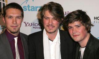 """Музикант от триото """"Хенсън"""" става баща за 7-ми път на 37 г. - 1"""