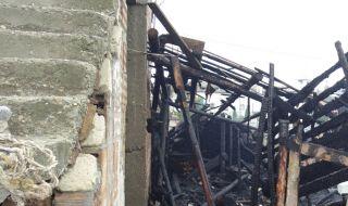 Мъж почина при срутване на дървена конструкция в родопско село