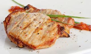 Рецепта на деня: Бързи свински карета на тиган