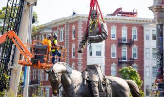 Статуя на командващ конфедеративните сили беше свалена - 1