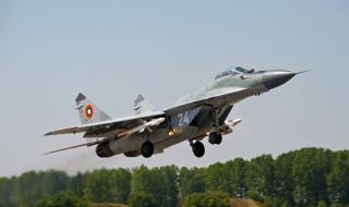 Адм. Ефтимов: Нормално е вдигане на изтребители заради руски бомбардировачи