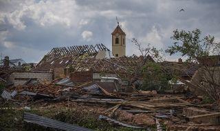 След потопа! Щетите от торнадото в Чехия се изчисляват на стотици милиони крони (ВИДЕО) - 1