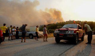 За последните 24 часа в Гърция са пламнали 60 пожара - 1