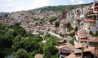 50 километра улици на ден се дезинфекцират във Велико Търново