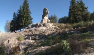Паметникът на Георги Бенковски в Копривщица се руши