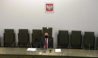 Отложиха президентските избори в Полша за неопределено време