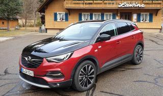 Тествахме Opel с три мотора и с 300 конски сили
