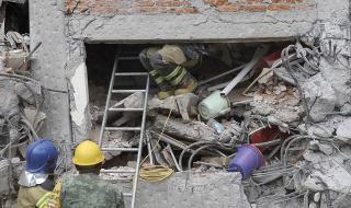 Над 250 000 мексиканци без жилища след земетресението
