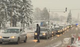 МВР: Драстичен спад на движението на коли за сметка на камиони