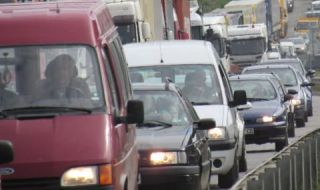 Гърция облекчава част от мерките, свързани с броя на пътуващите в автомобилите