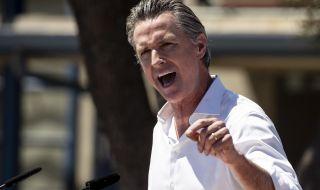 Губернаторът на Калифорния запази своя пост - 1