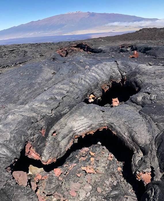 Турист откри бомби на склона на вулкан в Хавай (СНИМКИ)